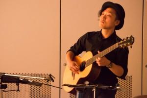 ギター:那須寛史さん